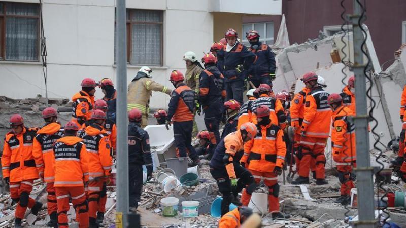 İçişleri Bakanı Soylu: Enkazda ölenlerin sayısı 11'e yükseldi