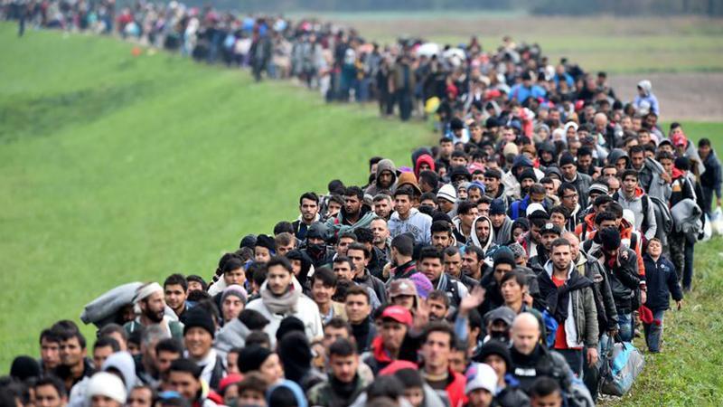BM: Bir haftada 30 bin kişi Türkiye sınırına doğru hareket etti
