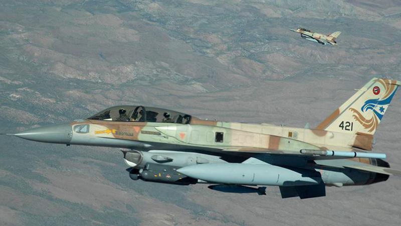 Suriye, İsrail jetini düşürdü!