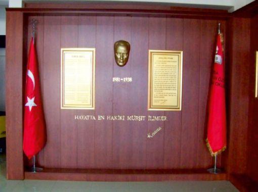 Okullarda Atatürk Köşesi Genişletilsin Yönetmeliği