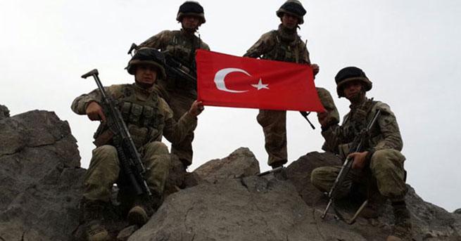 Kuzey Irak'ta 23 km temizlendi! O kamplar artık Türk askerinde…