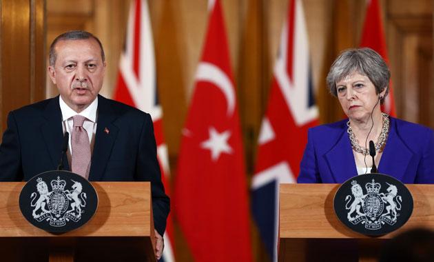 Cumhurbaşkanı Erdoğan ve İngiltere Başbakanı May'den açıklama