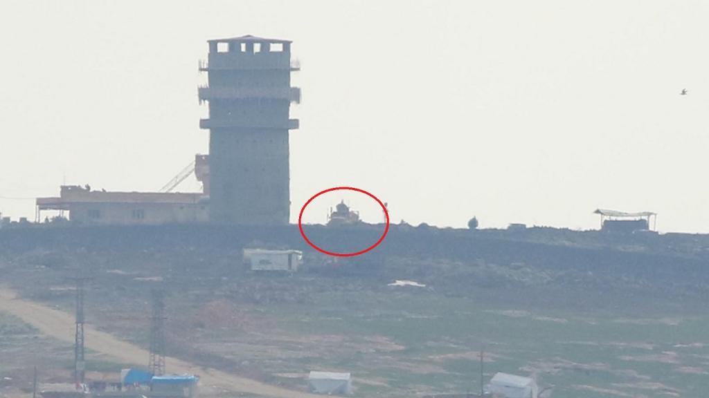 TSK siperlerinin karşısında ABD askerleri ile PKK/YPG'liler nöbet tutuyor