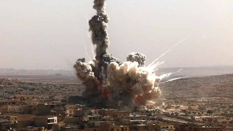 Süre bitti harekat başladı: Rusya havadan Suriye karadan!