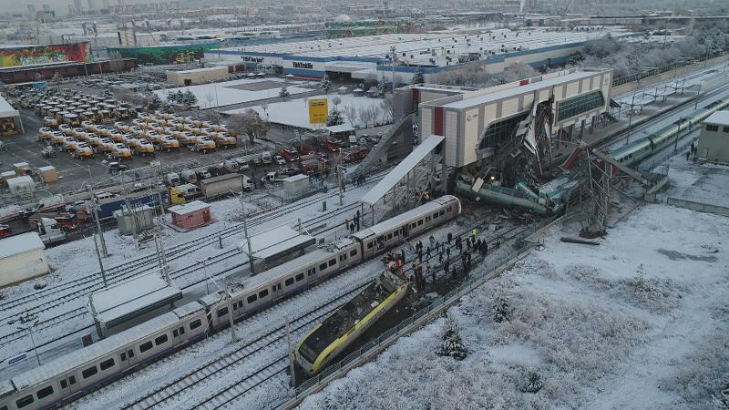 Ankara'da Yüksek Hızlı Tren kazası: 9 kişi öldü, 47 kişi yaralandı