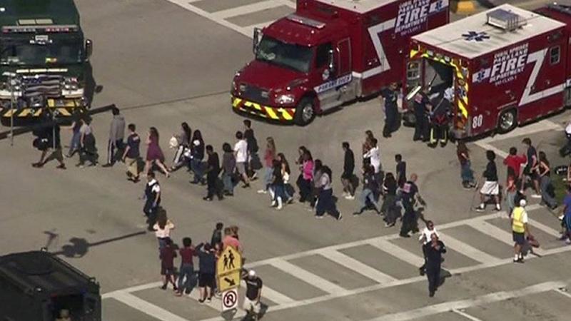 ABD'de okulda silahlı saldırı: 17 kişi yaşamını yitirdi