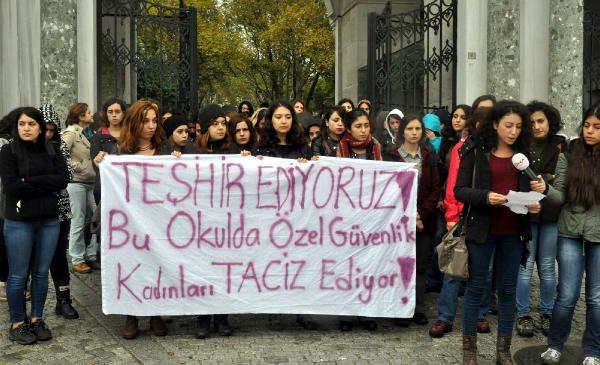 İstanbul Üniversitesi'nde taciz protestosu